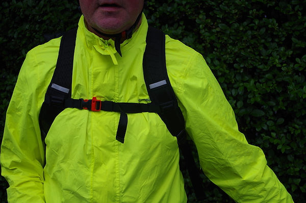 cyclist hi viz back pack chest strap cycling gear
