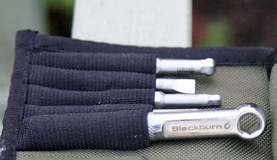 Blackburn switch multi tool pouch inside roll