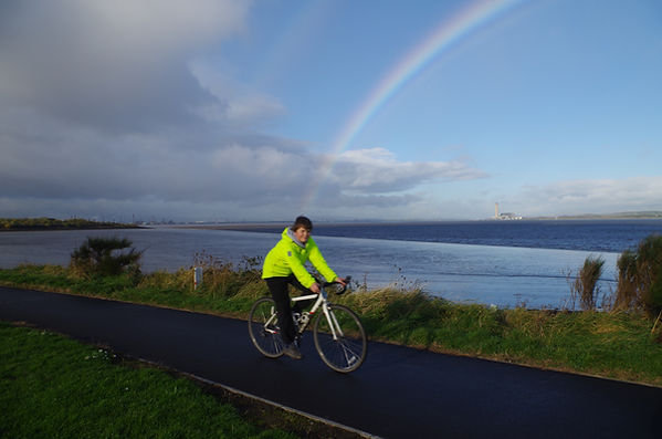 Cycle forth bo'ness track river ranbow cyclist