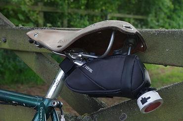 seat pack light loop zefal