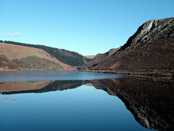 lake reservoir Elan Valley Crag ice