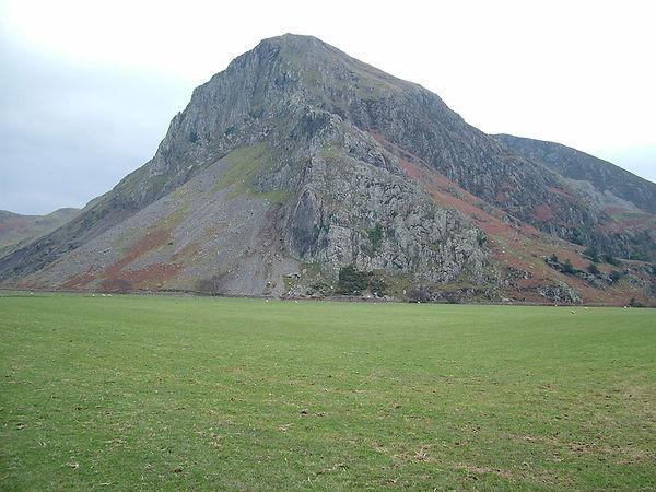 crags bird rock craig ar aderyn