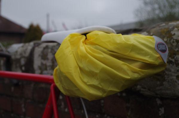Carradie Carradura cycling bicycle waterproof rain cover sadle bag pack