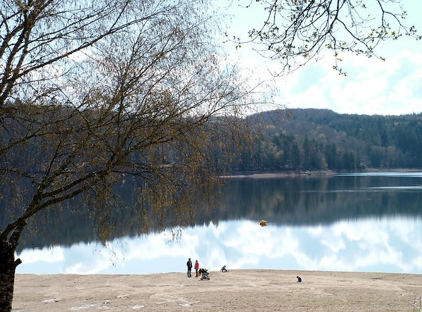 Lake Neuvic Correze France