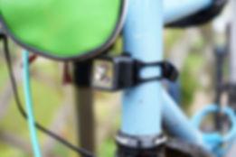 Bontrager R100 hread tube mounted.jpg