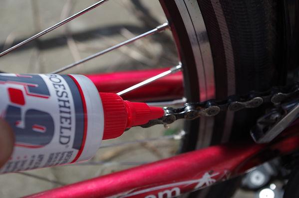 cycle bicycle chain lube oil wax lubricant boeshield application apply wheel