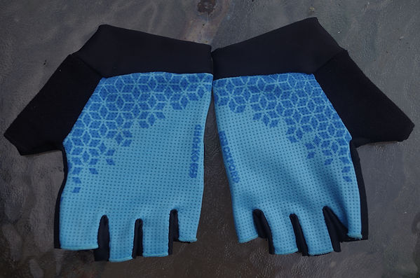 cycling mitts gloves wear gear apparel bike bicycle Oxford