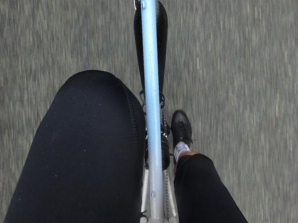 biycle cyclist leggings tights bib cross bar top tube