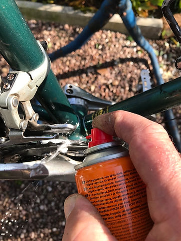spray lube bike bicycle maintenance cycle
