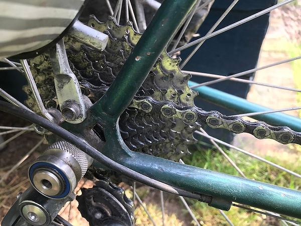 bicycle bike chain lube wet gone worn out