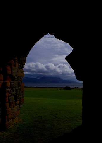 Skipness Castle, view from the gate
