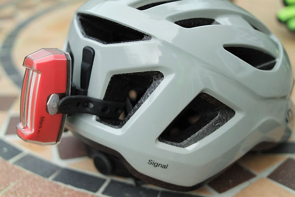 bike bicycle cycle cycling helmet rear mounted light red