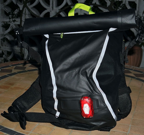 cycle bicycle cyclign backpack rucksack light reflective
