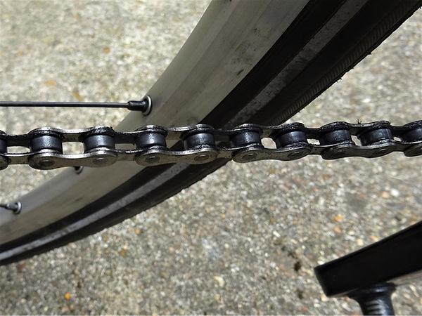 rim spoke wheel bicycle bike cycle tyre chain