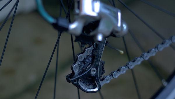 Jockey wheel bicycle derailleur gear hanger