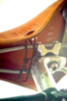 Lace on Bobbin Gents leather bicycle saddle, underside