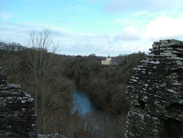 river castle valley gorge
