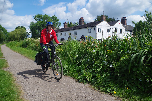 bicycle rider cycle bik barlaston path canal trent mersey