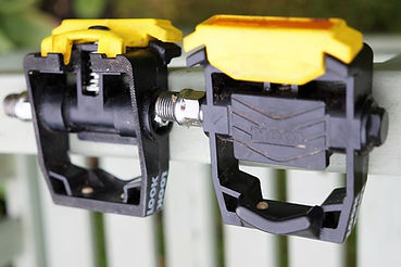 clipless bicycle pedals
