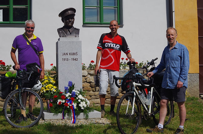Steve, milan and Mark at the Kubis memorial outside the museum