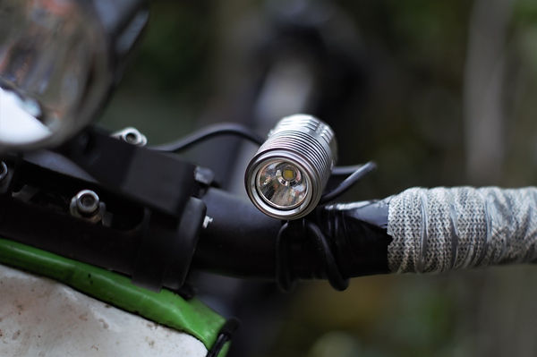 Ugoe 1000 thousand lumen headlight lamp bicycl cycle bike test review seven day cyclist