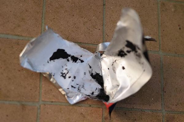 sugru glue mouldable repair fix bond seal