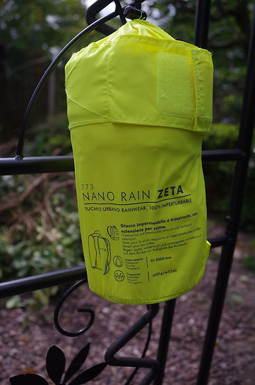 packed sac bag waterproof hiviz