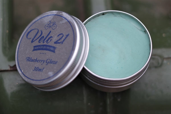Bicycle cycle paintwork protection polish frame
