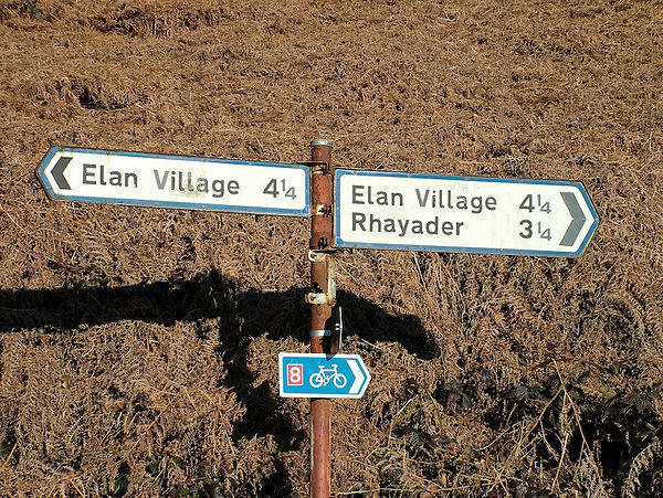 sign post wales NCR8 Elan Village