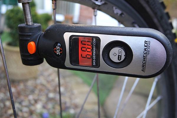 gauge pressure tool bike bicycle valve