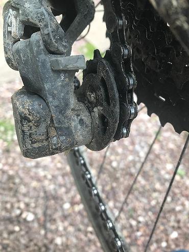 chain jockey wheel rear mech derailleur lube oil chain