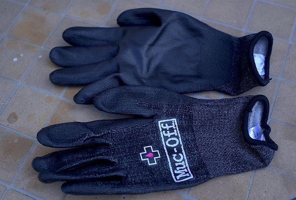 Gloves mechanics workshop gear Muc-Off