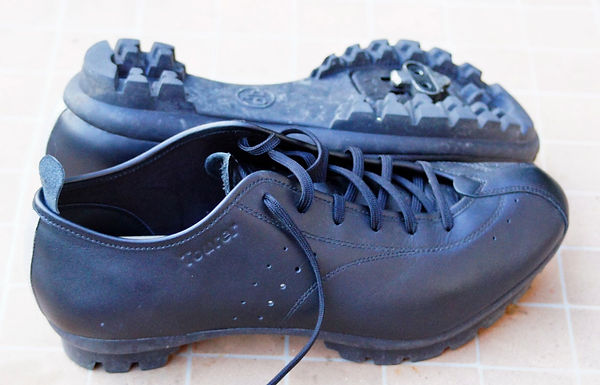 Quoc Pham cycling shoes touring bicycle footwear clothing