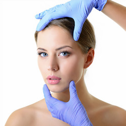 Beauty+treatment+for+young+beautiful+fem