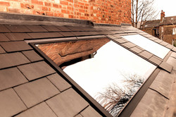 Flush fit roof window