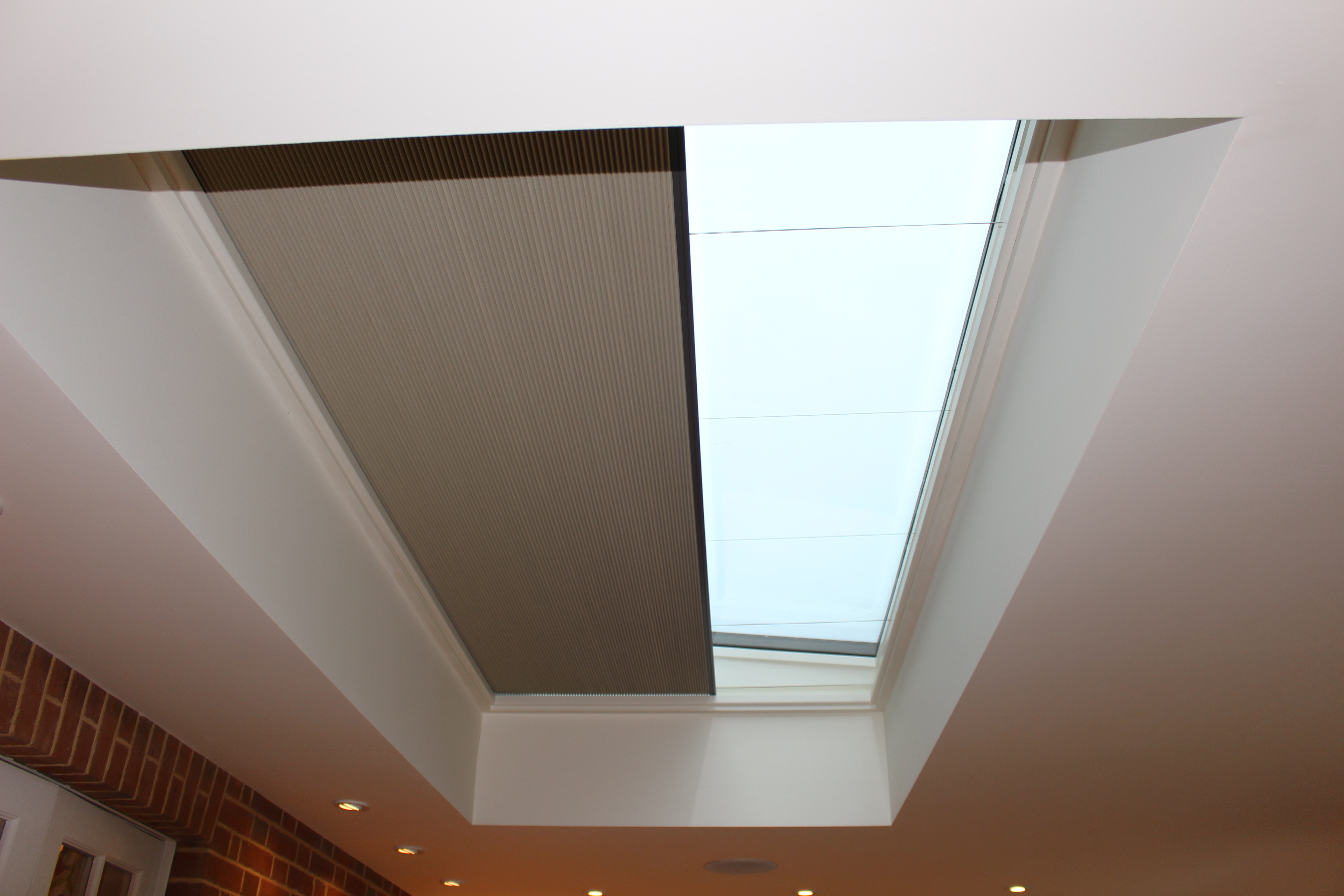 Automated skylight blind