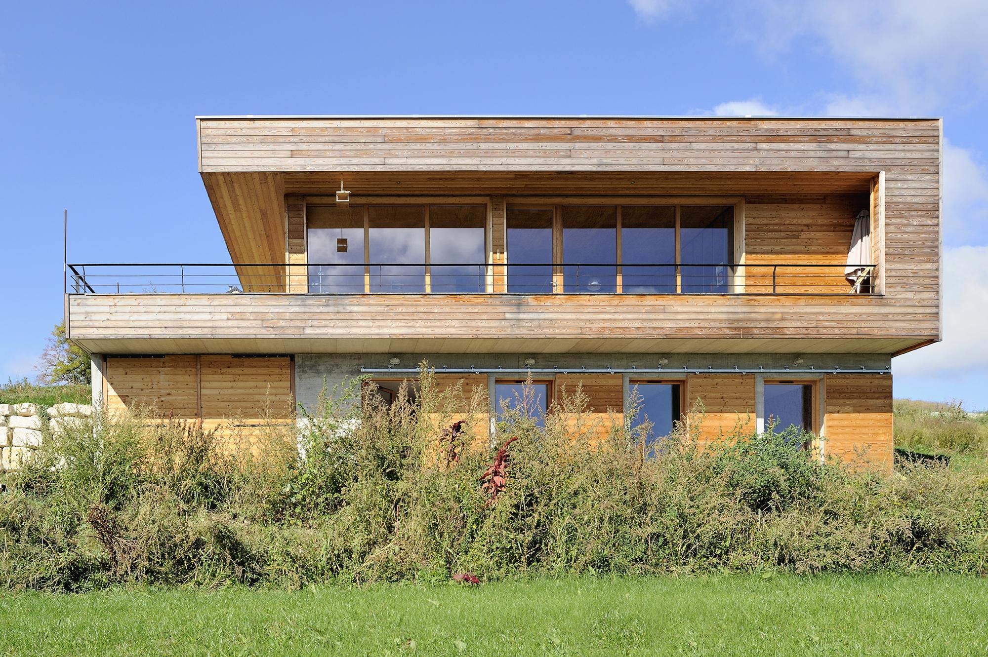 maison-bois-contemporaine-pente