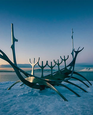 Viking-Boot-Skulptur