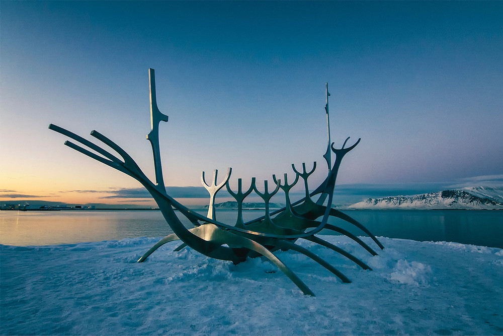 the sun voyager steel sculpture in reykjavik