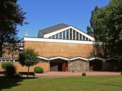 1280px-Hannover_Buchholz_Kirche_Maria_Fr