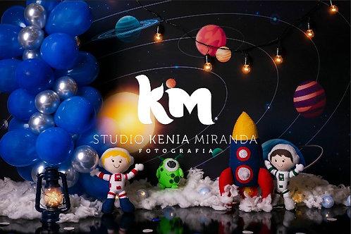 Fundo Fotográfico em Tecido Helanca Light -Astronauta - Kenia Mirand