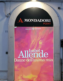mondadori_point-copia.jpg