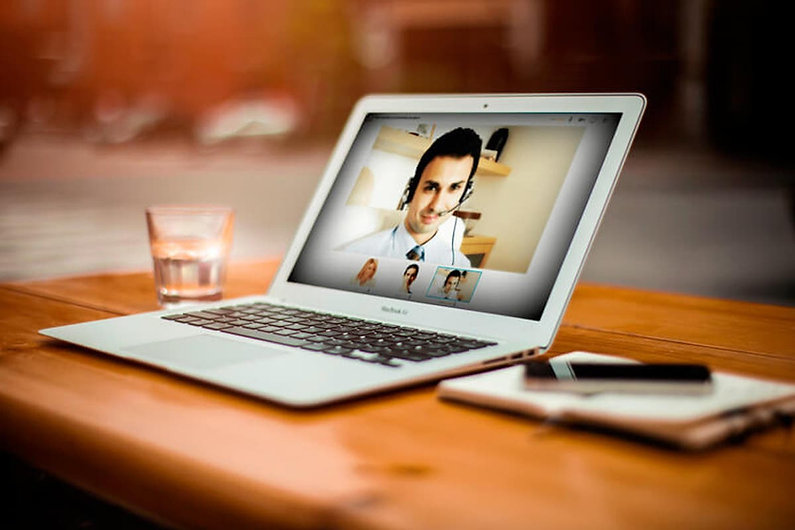 computer-with-psychologist-online.jpg