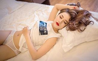 Girl-Pose-Background-Beauty-800x500.jpg
