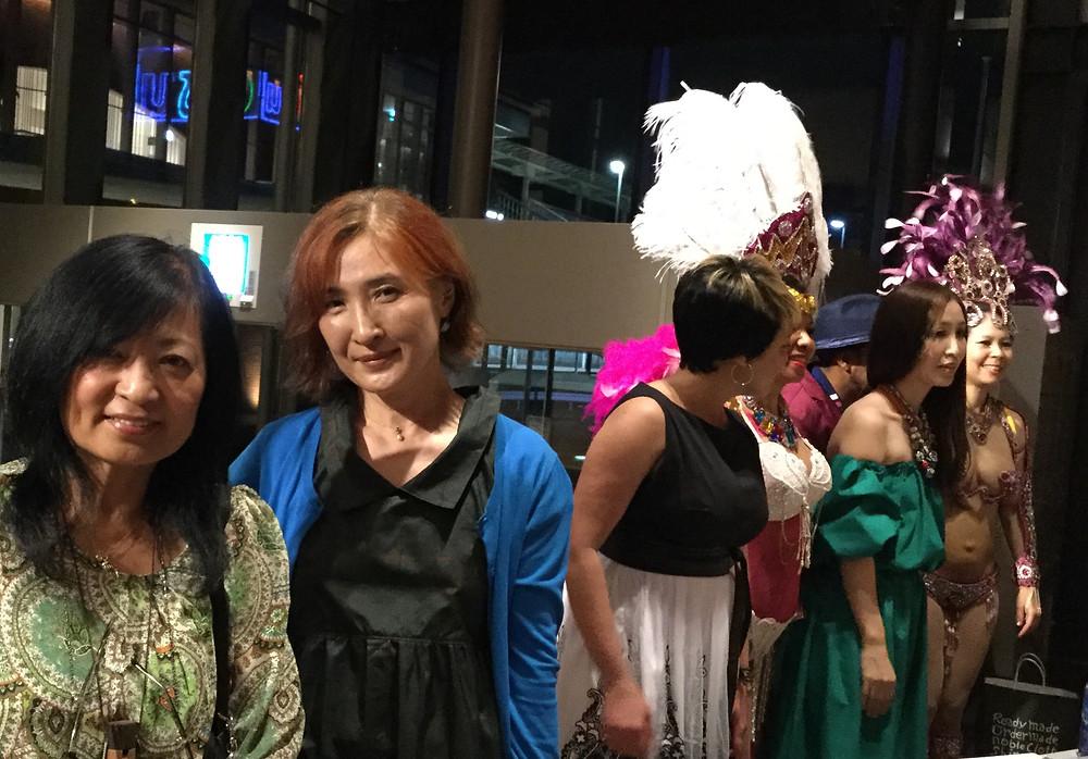 ボサノバコンサート 土井やすこ カーニバルの衣装の女性 ミカ ボサノバ