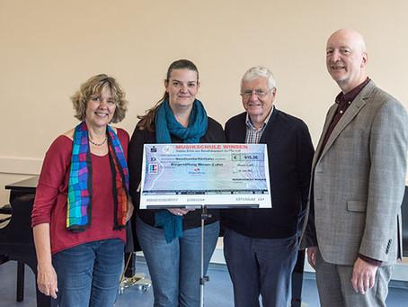 Über € 900 für die Bürgerstiftung aus dem Benefizkonzert der Lehrer-Bigband der Musikschule Winsen