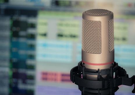 microphone-3381837.jpg