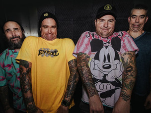 NEW FOUND GLORY - Announces New Album. Drops First Single!