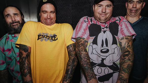 NEW FOUND GLORY Drops Deluxe Album FOREVER AND EVER X INFINITY…AND BEYOND!!