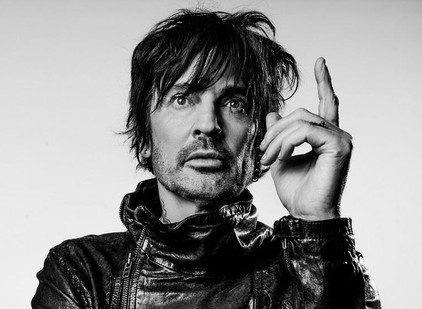 TOMMY LEE gets absurd gift from wife to honor new solo album.